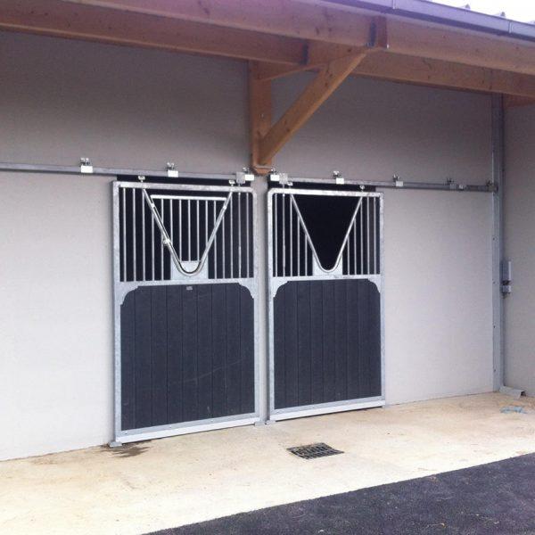 Porte coulissante haut barreaudée, bas remplissage bois, composite ou bambou