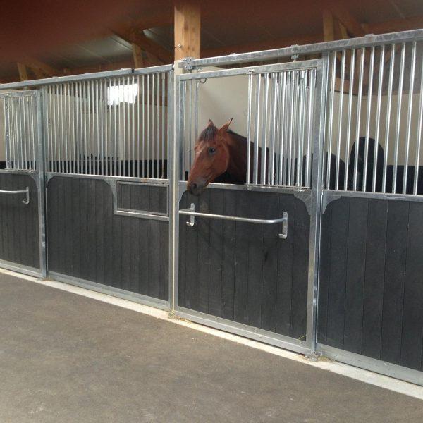 Construction de box pour chevaux